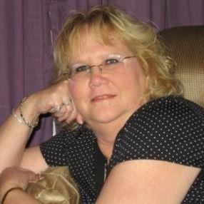 Lotte 56 jaar uit Heemskerk. Samen met mijn man zoeken wij een hete man voor een trio relatie. Ook voor afspreken met mij alleen.
