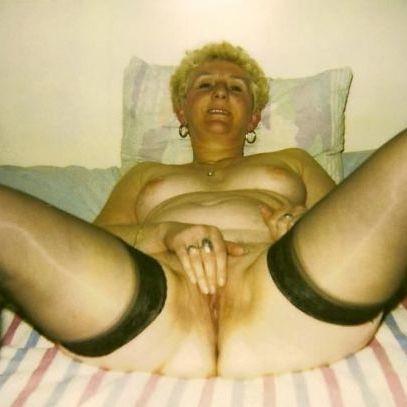 Op zoek naar een afspraakje met een rijpe dame? Sexdating met oudere vrouwen.