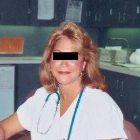 Alyssa 61 jaar uit Gelderland. 61 jaar en uitgeblust? dacht het niet. Je weet pas wat echt genieten is van seks totdat je hebt genoten van een vrouw die al heel veel ervaring heeft.